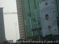 Foto Fauzi Bowo nampang di jalan tol